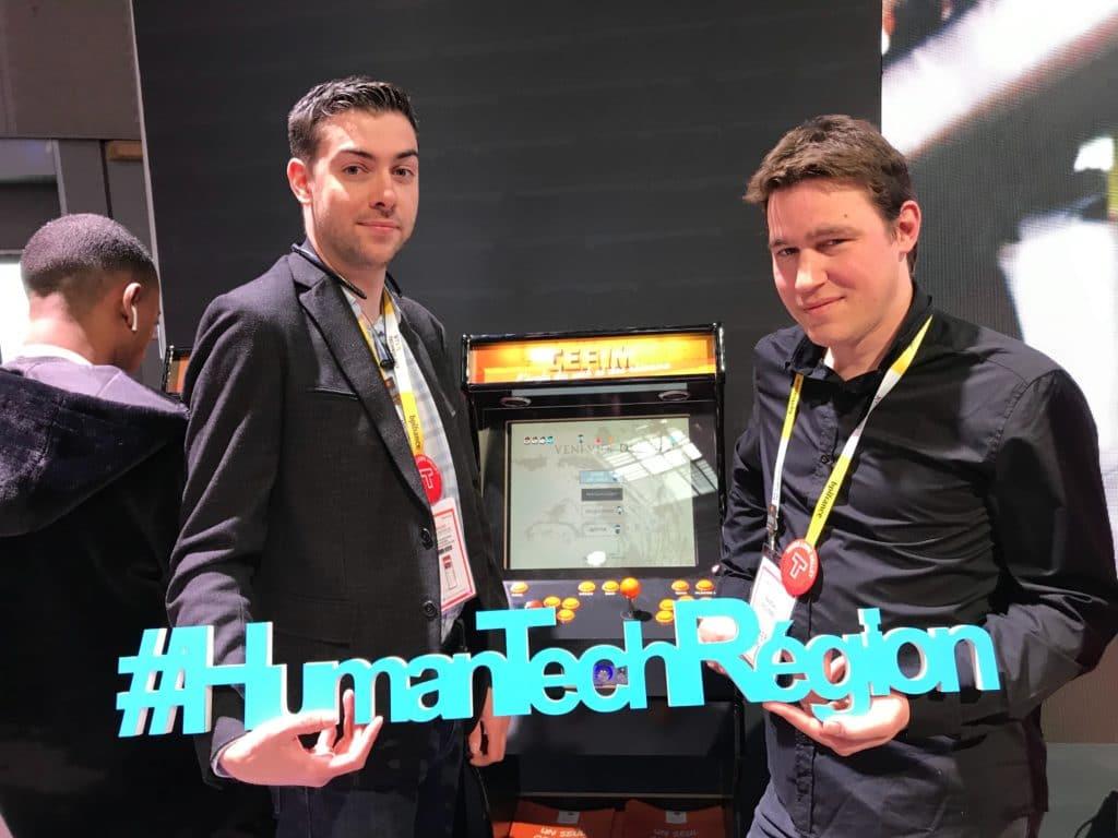 Cédric et Pascal devant leur remake de Pacman à Vivatech